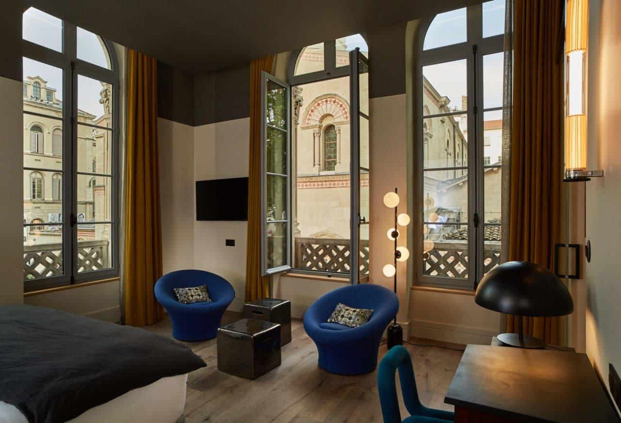 Chambre déco avec style à Lyon décoration pierre paulin boutique hotel- Hôtel de l'Abbaye